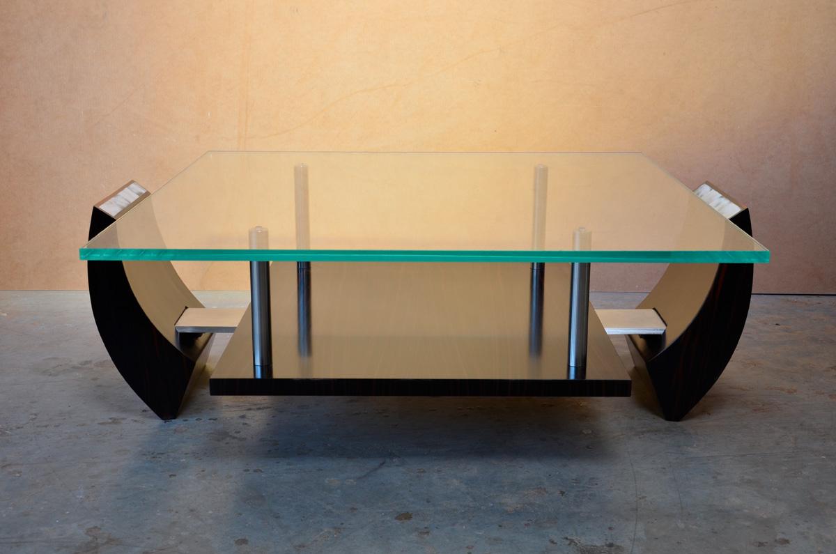 Table basse (modèle déposé)