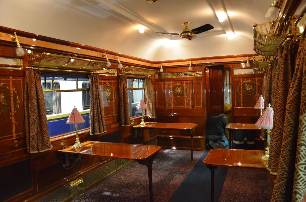 Voiture restaurant n 4110 du train venice simplon orient for Salon restauration paris