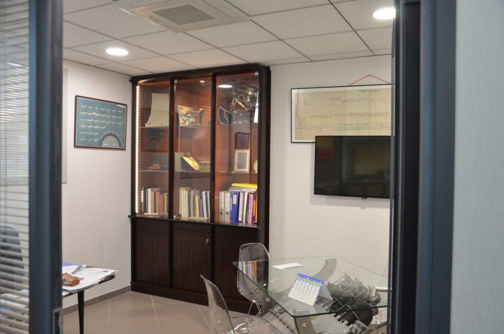 Bibliothèque d'un bureau de direction